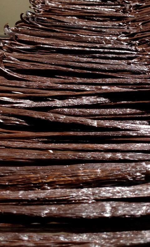 Kua Kama Vanilla Beans Powder 3.png